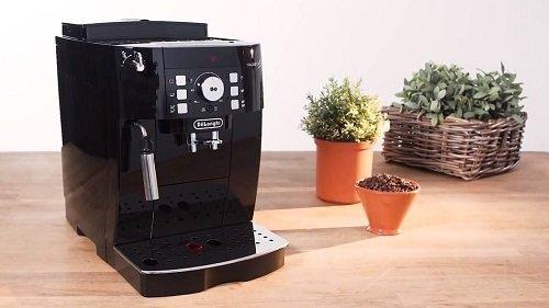 🥇 De'Longhi Magnifica S ECAM 21.117.B Espressomachine Recensie